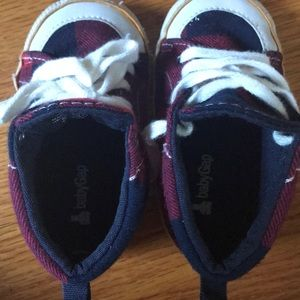 GAP Shoes - Baby GAP Boys Red Plaid Hi Top Booties Size 18-24m